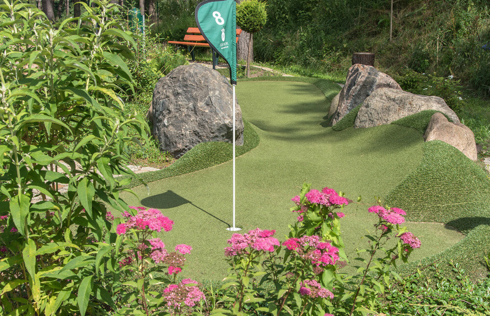 Bungis Adventure Golf Loch Mit Fahne